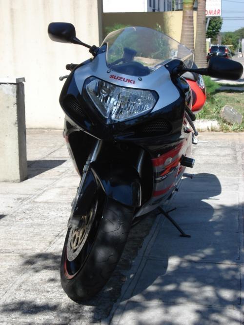 Fotos de Moto gsx-r 750 ano 2003 3