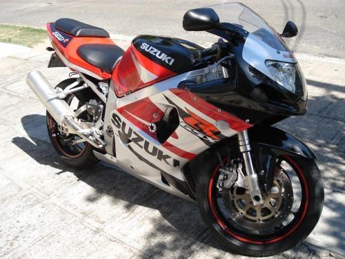 Moto gsx-r 750 ano 2003