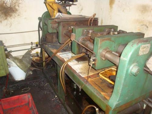 Vendo maquinario para fabricaçao de torneiras plasticas