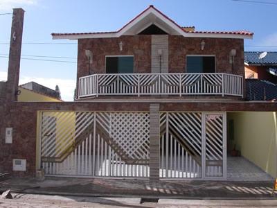 Casa em peruibe c/ piscina e area de lazer