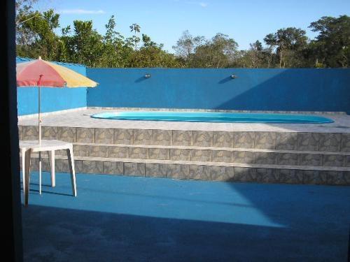 Alugo casa na praia com piscina 700 metros do mar em praia de leste p 14 pessoas