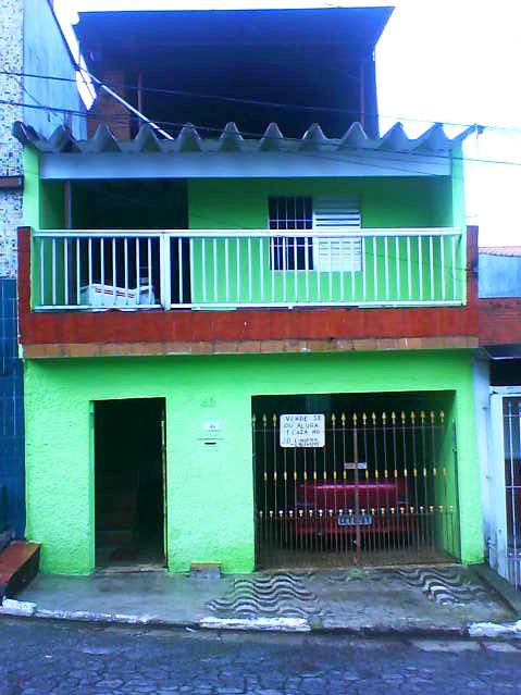 Vendo casa c/12 comodos 4wc garagen salão de festas c/ churrasqueira