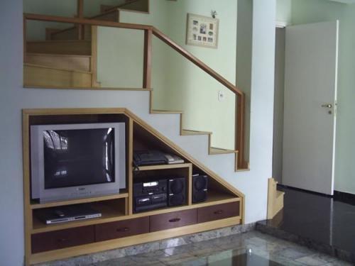 Restauração e móveis sob medida.