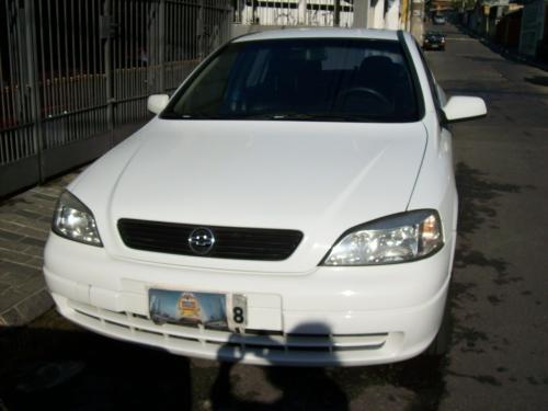 Vendo astra sedan gls 2.0 4p 99