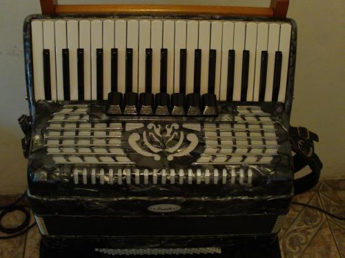 Venda de acordeon