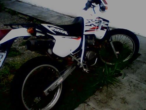 Vendo / troco moto xr200r ano 2002