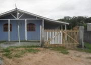 Alugo casa com piscina em praia de leste para 12 pessoas