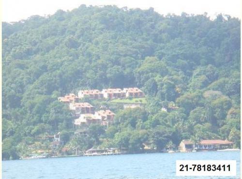Casa de 120 m2, 2 quartos, 2 banheiros, em angra dos reis vista para mar