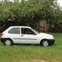Ford Fiesta 2001 GL, branco