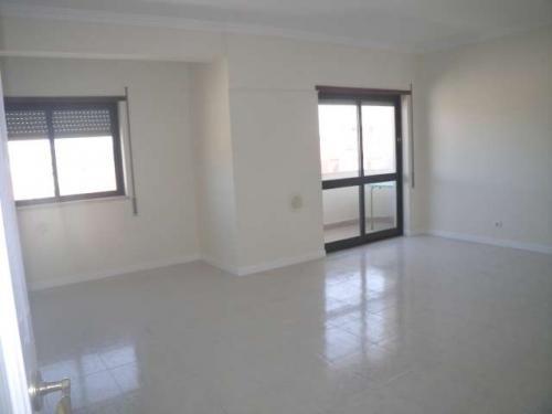 Troco 2 apartamentos em portugal