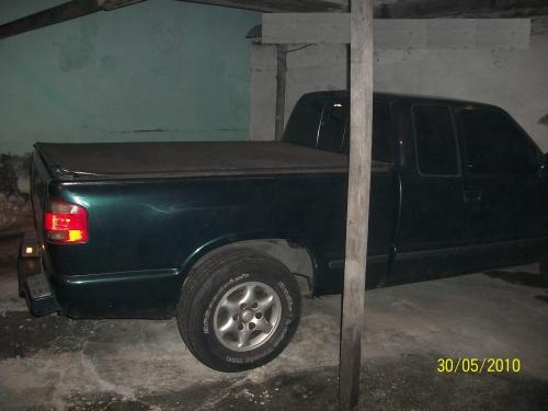 Agrego pick-up s-10 com motorista rj, com gnv e documentada.