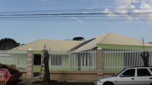Vende-se linda casa no seminário em curitiba