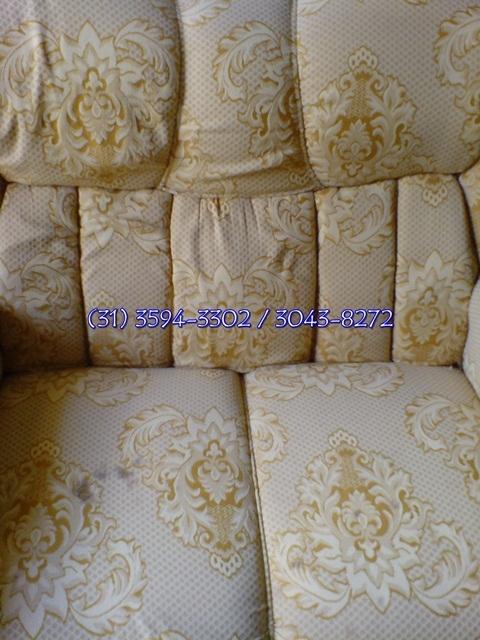 Fotos de Limpeza de sofá em betim é com a limpo & seco 4