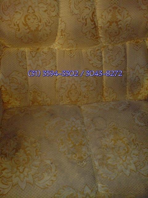 Fotos de Limpeza de sofá em betim é com a limpo & seco 3