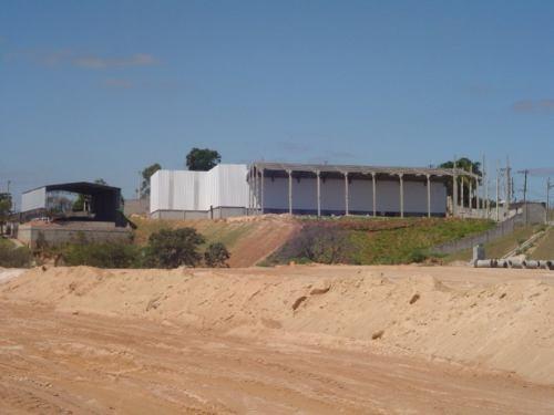 Alugar galpao no distrito industrial de araçariguama 2000m2