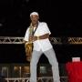 Show performance de Saxofonista com música Eletrônica
