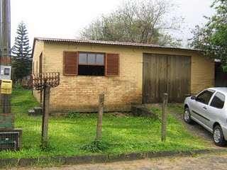 Terreno com duas casas de alvenaria em florianópolis/sc