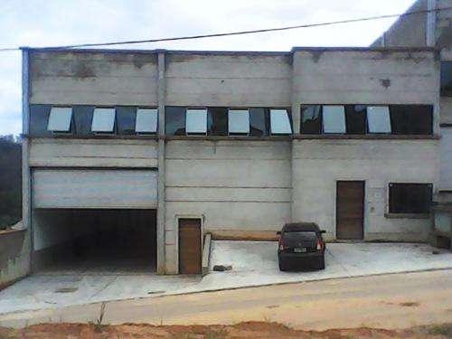 Alugar galpões com 1100 e 1300 m2 em santana de parnaíba