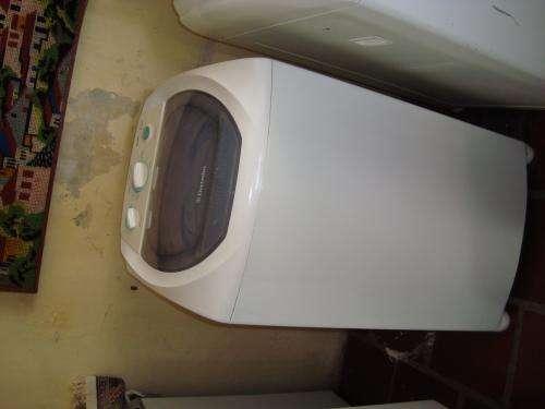 Vendo maquina de lavar roupas electrolux 5 kg