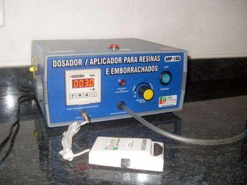 Dosador / aplicador de resinas e emborrachados arp-1sd digital brmaq-brindes