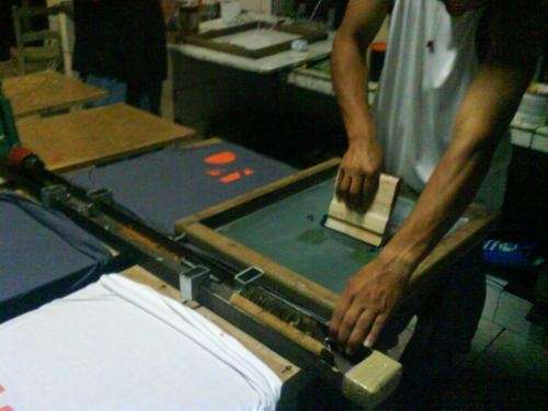 Curso de serigrafia aprenda gravação e esticagem de telas