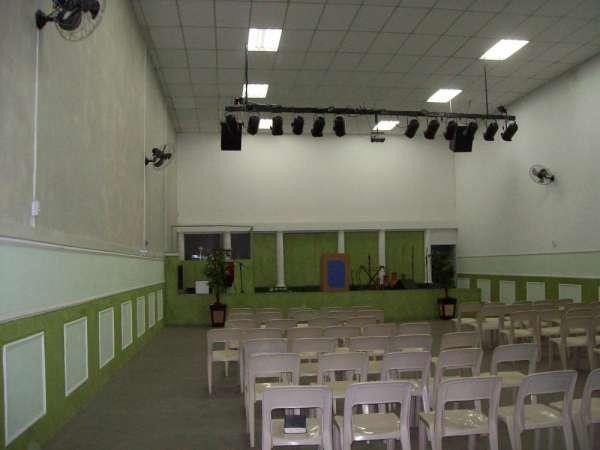 Alugo excelente barracão para igreja