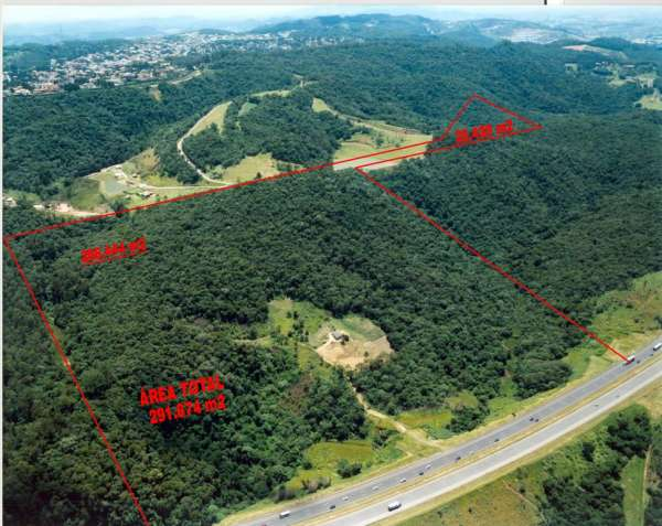 Vende terreno com 564 m de frente pra rod castelo branco uso permitido de 80% da área- zup2