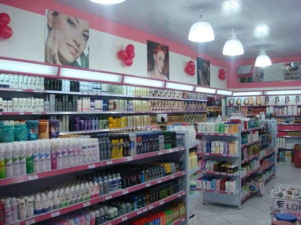 Venda loja de cosméticos - loja montada, completa, abastecida com produtos de giro rápido, linha profissional exclusiva para cabeleireiros.