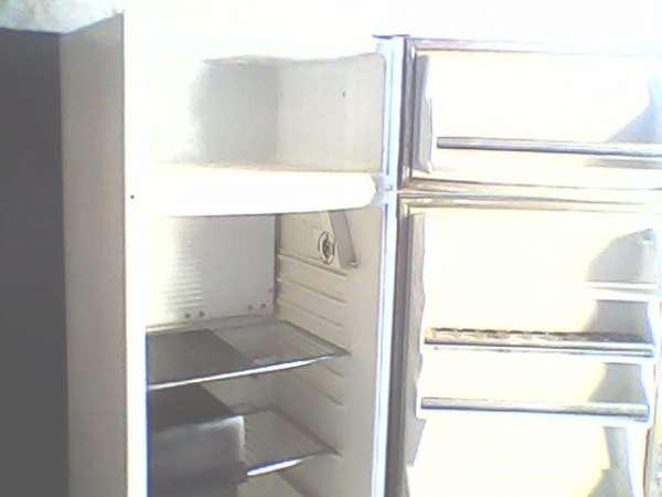 Vendo 1 geladeira e 1 maquina de lavar roupa usados