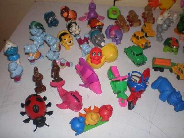 Miniaturas de brinquedos kinder ovo