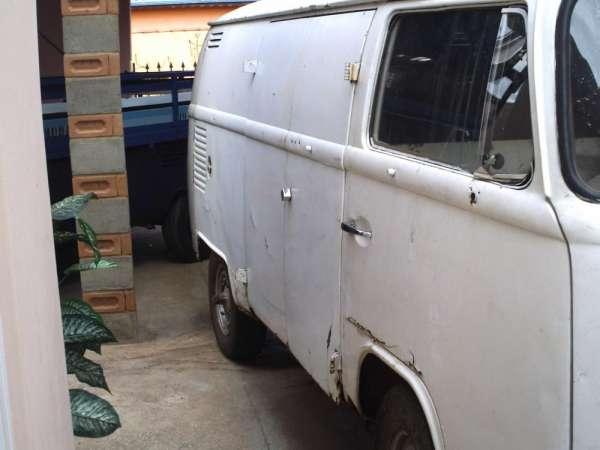 Kombi furgão ano 82 com radiador original