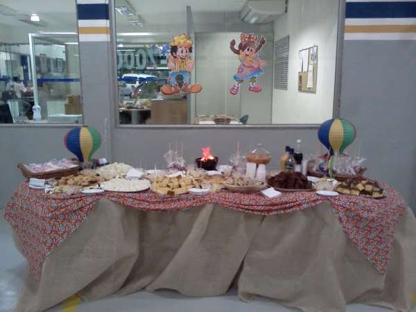 Buffet completo de festa junina em casa