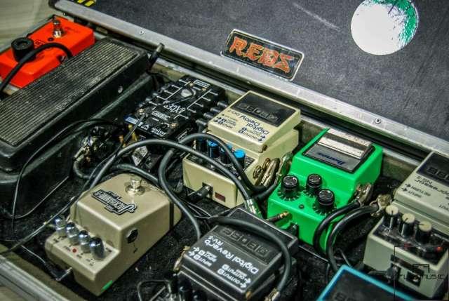 Fotos de Estudio de ensaio de bandas e gravações curitiba 2