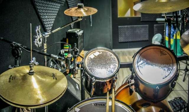 Fotos de Estudio de ensaio de bandas e gravações curitiba 3
