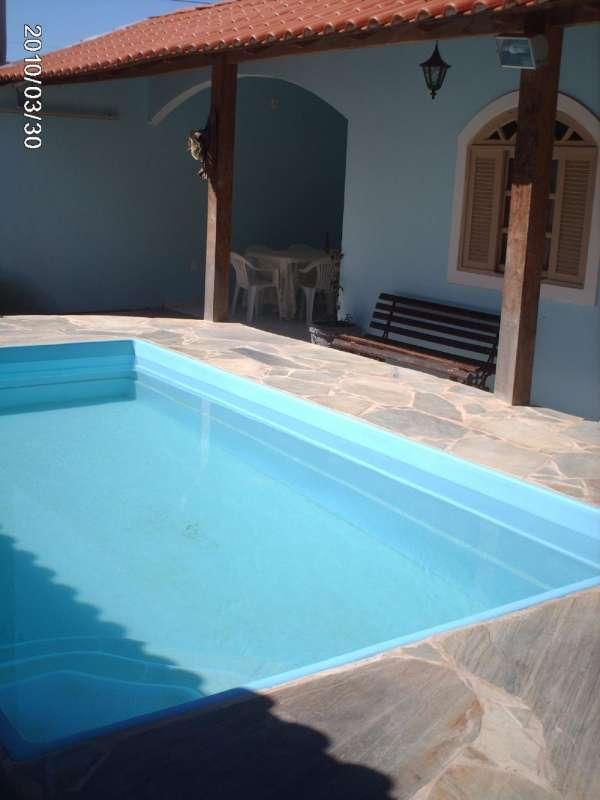 Ofereço casa em locação com piscina na praia do peró em cabo frio - rj