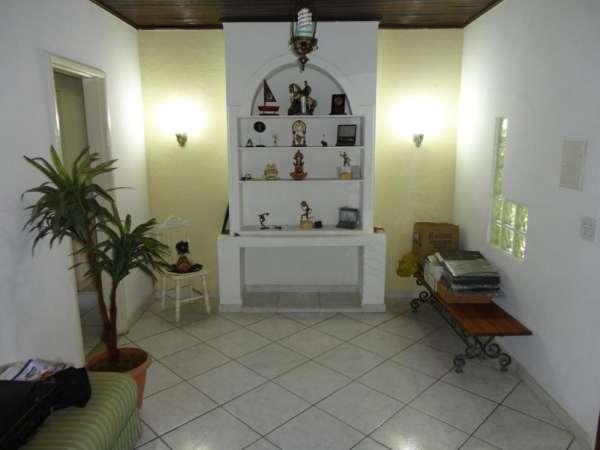 Vendo excelente casa de 3 quartos em araruama-rj