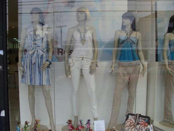 Instalações loja de roupa moda feminina