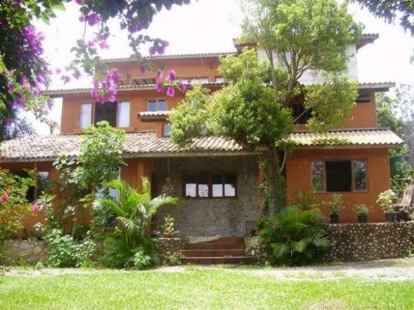Aluguel de casa e quartos em praia do rosa