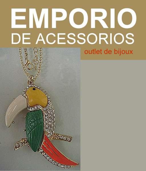 Simplesmente lindo!!! colar de tucano em metal cravejado de strass