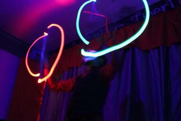 Mp circo animaçoes ? porto alegre intervençoes e espetáculos circenses em festas e eventos,malabares,monociclos,aérios,fogo,luzes,palhaços,magicos e oficinas.