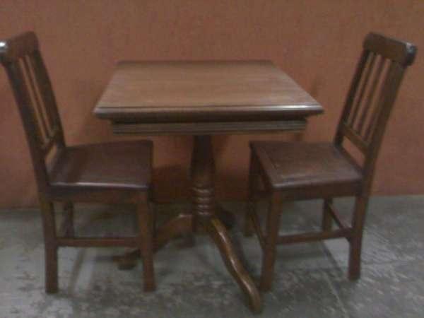Vendo mesas e cadeiras madeira estilo rio antigo