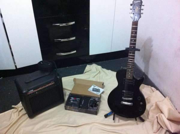 Guitara gibson epiphone,cubo hayonik,digitech rp90