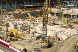 Trabalhadores da construção qualificados qualificados e semi urgente