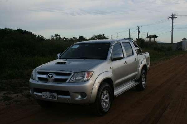 Toyota hilux srv 3.0 automatica bancos em couro ano 2006