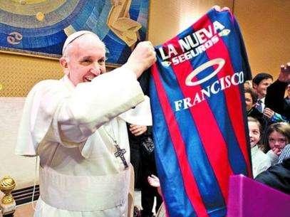 Camiseta de san lorenzo en homenaje al papa (edicion limitada)