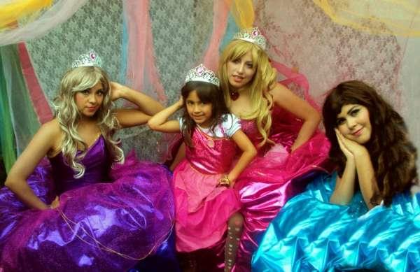 Barbie escola de princesas - animação de festa infantil