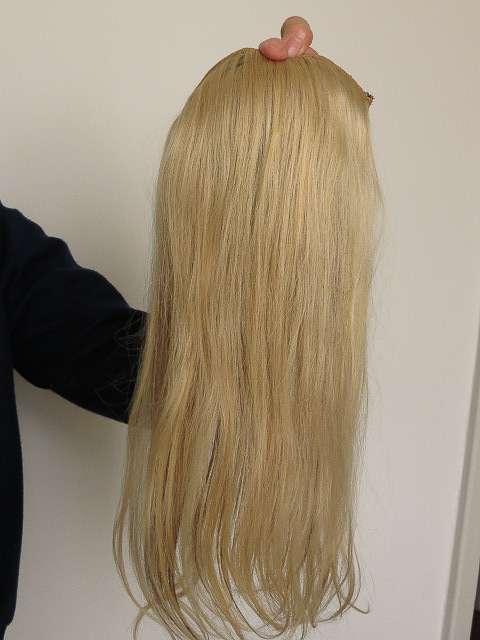 Mega hair - tela pronta cabelo loiro codigo (06) 66 grs. 22 cm de orelha a orelha 42 cm de comprimento preço r$ 750
