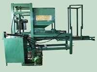 Maquina hidráulica p/ fabrico de blocos de concreto