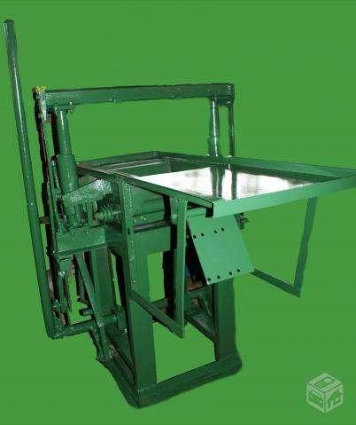 Maquinas p/ fabrico de blocos de concreto