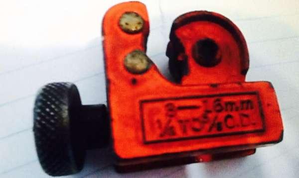 Mini cortador de tubos 1/8 5/8